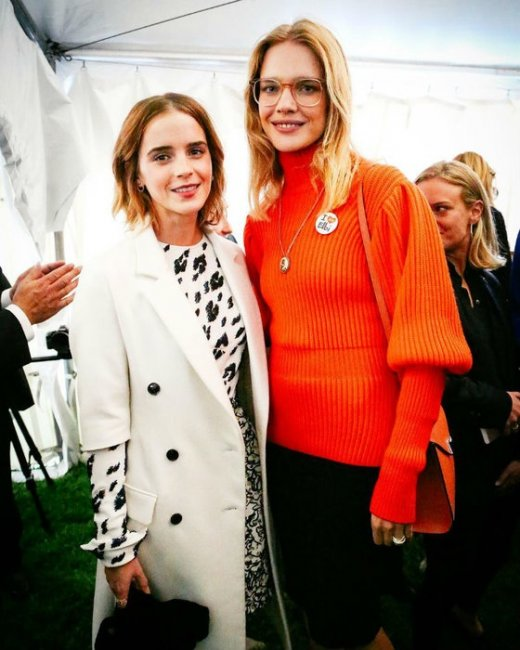 Наталья Водянова встретилась на конференции с Эммой Уотсон (фото)