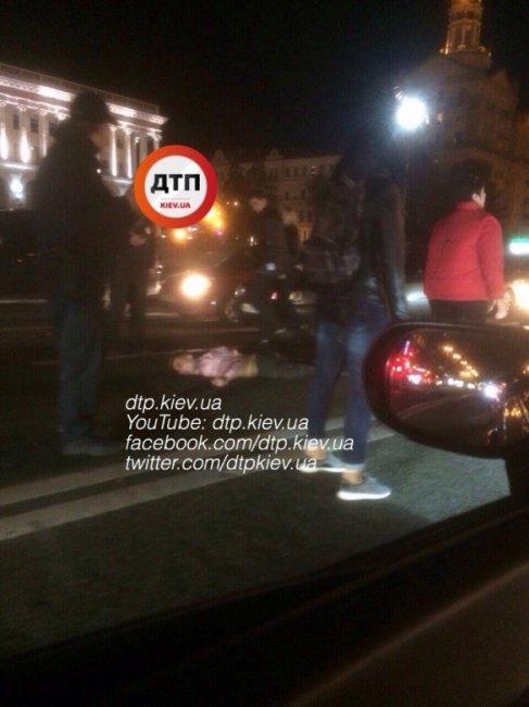 Пьяный мужчина пытался перебежать через Крещатик и попал под колеса