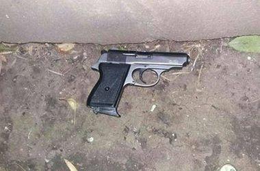 В Одессе двое мужчин открыли стрельбу возле музкомедии