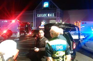 В торговом центре США неизвестный застрелил четырех человек