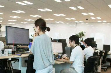 Японские офисы объявили войну сидячему образу жизни