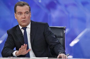 Медведев о санкциях: Это плохо, но не это главное