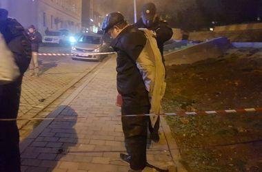 Россиянин с канистрой бензина открыл стрельбу в московской синагоге, есть раненые