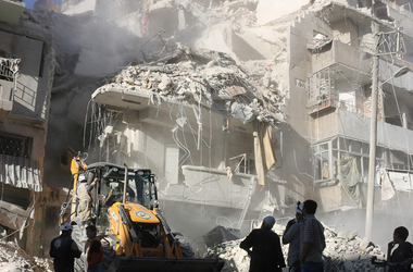 В Алеппо бочковые бомбы разрушили крупнейшую больницу