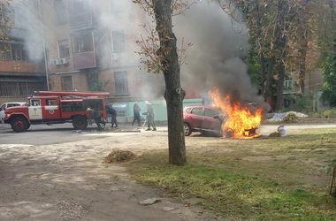 В Харькове снова горел автомобиль