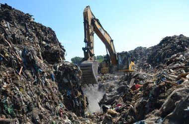 В Винницкую область без разрешения привезли более 200 тонн львовского мусора – СМИ