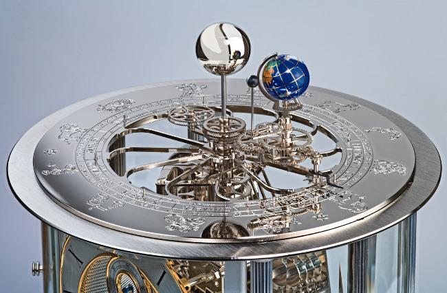 Немецкие интерьерные часы Hermle