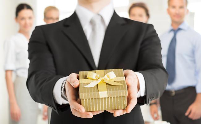 5 лучших подарков для вашего босса