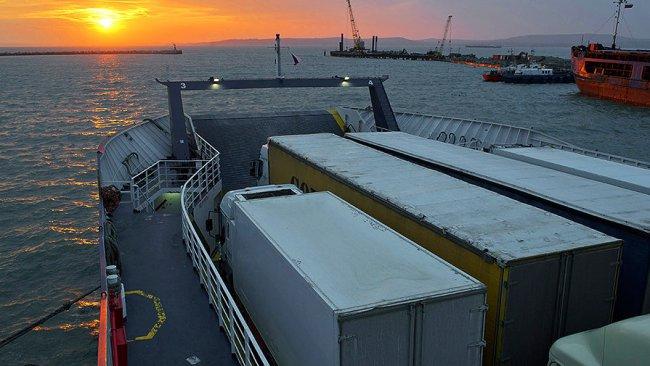 Время ожидания для грузовиков в порту «Кавказ» превысило 100 часов
