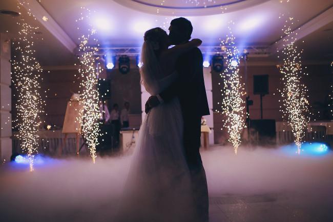 Свадебная церемония: весело и необычно