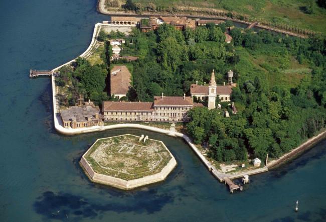 Остров Повелья в Италии не может привыкнуть к страху