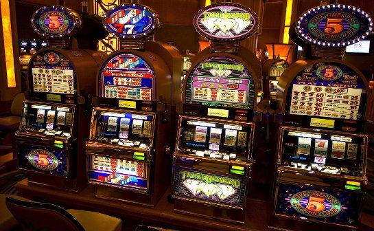 Успешное отражение атаки пришельцев в казино Спин Сити